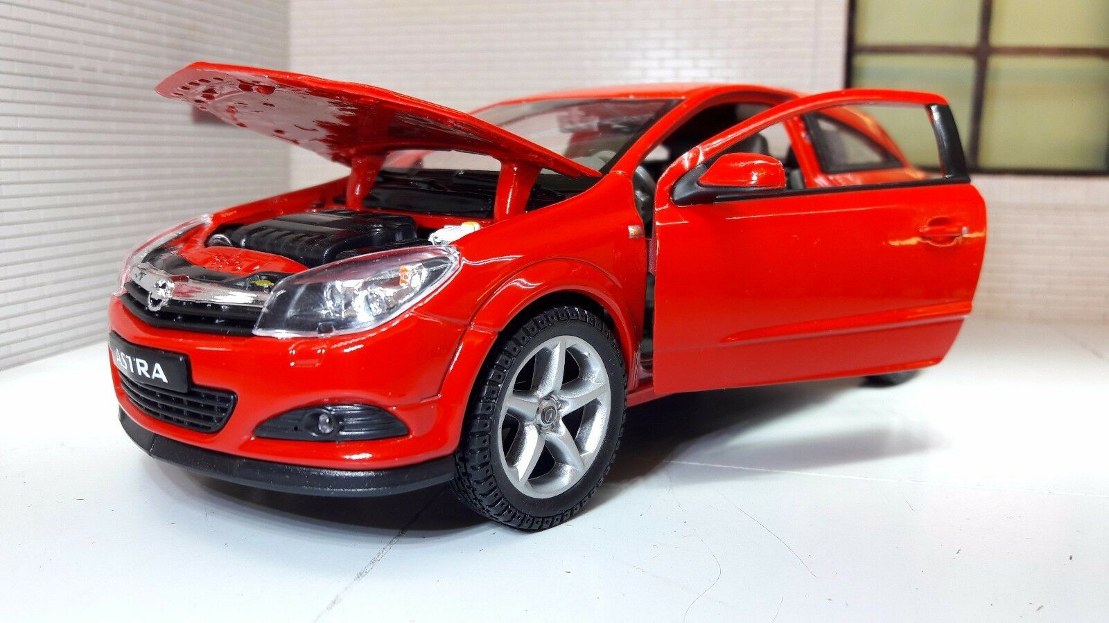 G LGB 1 24 Scale Vauxhall Opel Astra GTC VXR Red 22469 Diecast Model Car 2008