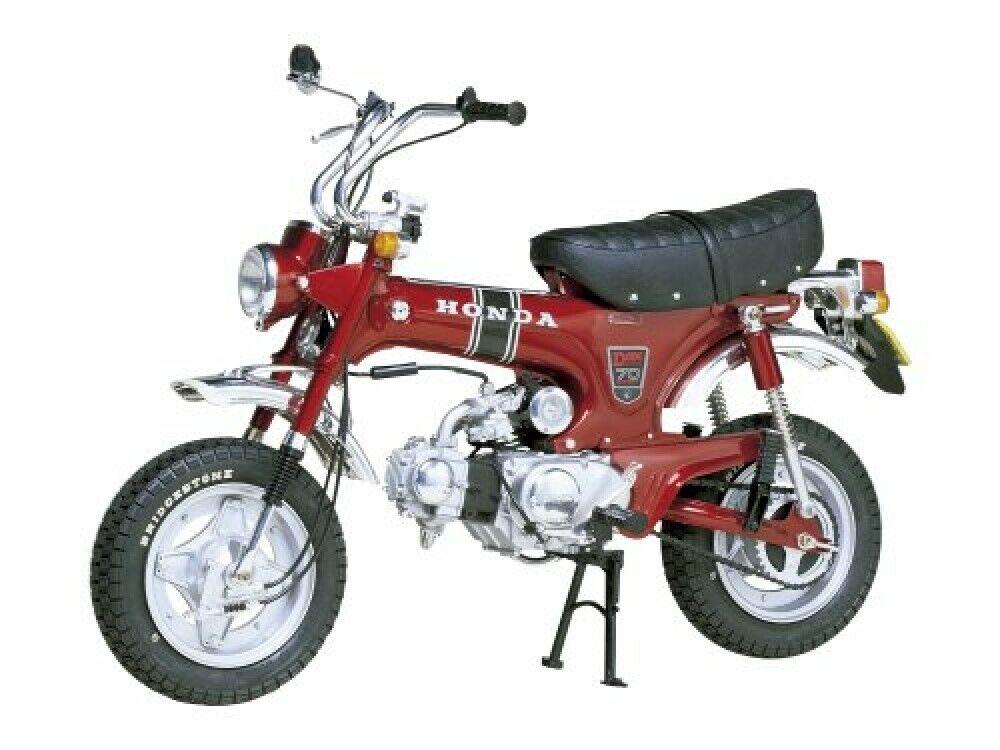La serie de motocicletas tameya 1602 1   6 honda Dax st70 de Japón.