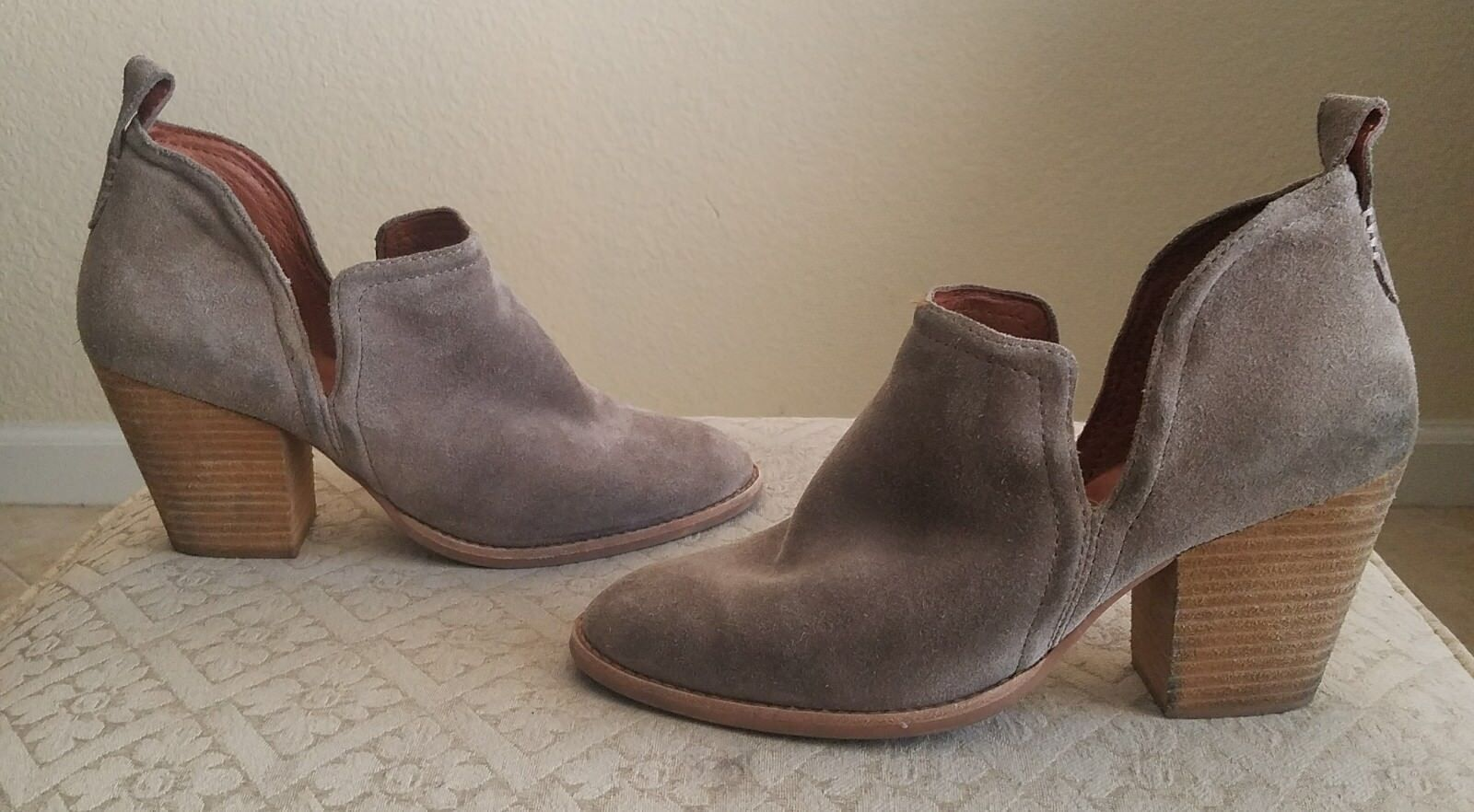 JEFFREY CAMPBELL ROSALEE ANKLE BOOTIE TAUPE SUEDE SIZE 10