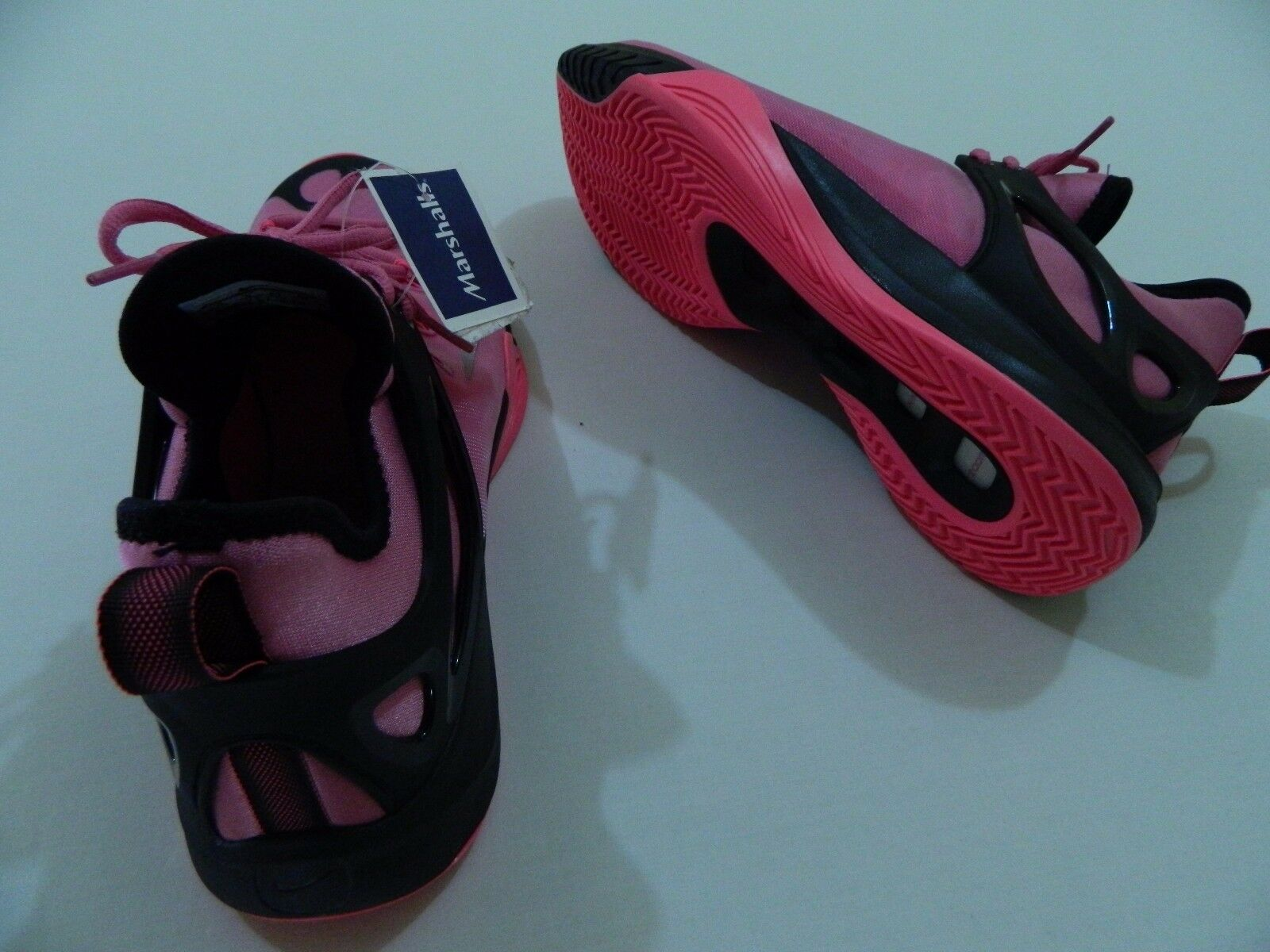 M109 New NIKE Zoom Hyperrev Breast Cancer Awareness Special Edition MEN'S 10