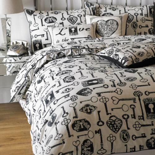 Riva Home Keys Vintage Print Duvet Cover Set Linen//Black
