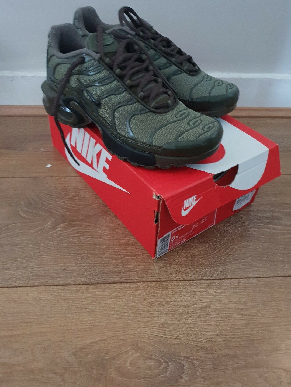 Nike air max plus (gs) Vert Olive uk 4.5  NEUF