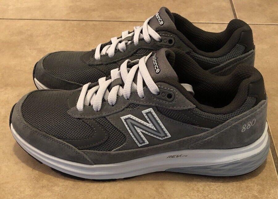 NEW BALANCE 880 Men's Size 7 Women's Size 8.5 RUNNING SHOES Gray MW880SG3