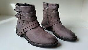 Steve Madden Women's Arriesw Wide Shaft Boot Cognac Mismate R7M L7.5M