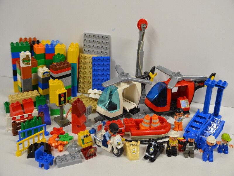 8 ) Lego Duplo Viele Teile Steine Figuren Polizei Hubschrauber Stiefel Zubehör