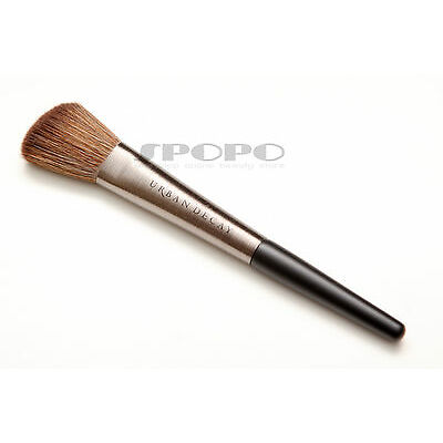URBAN DECAY Pro Collection Contour Definition Brush F-109 100% Authentic RRP$32