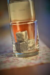 Whiskey-Kuehlsteine-034-On-the-Rocks-034-im-Samtbeutel-Whisky-Steine-ohne-Verwaessern