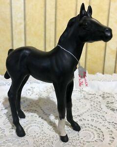 BESWICK-HORSE-FOAL-BLACK-BEAUTY-BLACK-MATT-FINISH-MODEL-No-2536-PERFECT