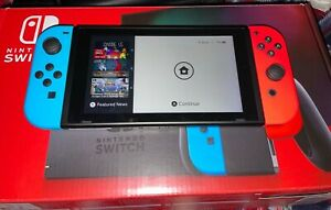 Nintendo Switch 32GB Neon Red/Neon Blue Console/With Carrying Case