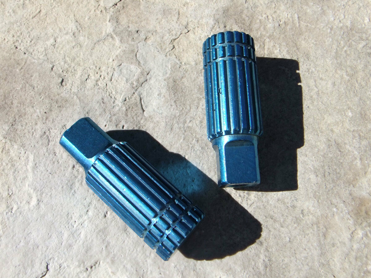 Old School BMX Freestyle Bicycle Pegs Axle Extenders Fits 3 8 Axle 24 TPI, blueee