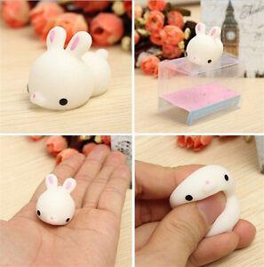 Mochi-Bunny-Rabbit-Squishy-Squeeze-Healing-Stressabbau-Spielzeug-EW