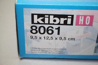 444DM HO Edicola italiana montata e illuminata scala 1:87