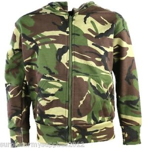 Consider camouflage jackets when looking for a new jacket for the boys in your life. Like the jackets from Weatherproof, camouflage coats might feature details such as a hood, side pockets and a contrasting lining.