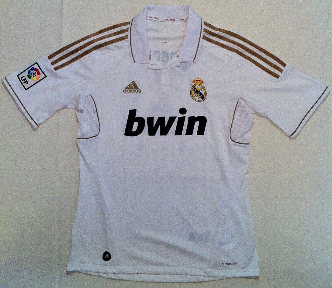 Camiseta conmemorativa del Real Madrid como campeón de Liga 2011 2012 (talla M)