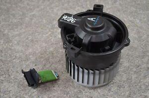 Smart-Forfour-454-2006Bj-Geblaesemotor-Lueftermotor-Vorwiderstand-MF016070-0701