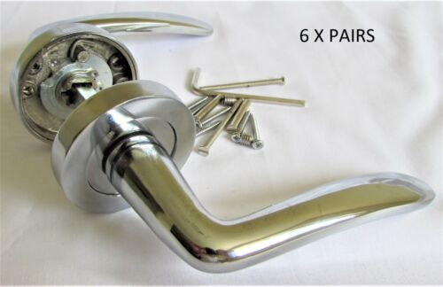 STYLISH CHROME CONTEMPORARY CARLA STYLE LEVER DOOR HANDLES ON ROUND ROSE D1