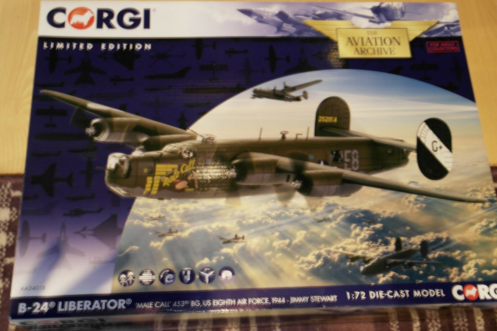 Corgi Aviation 1 72 B-24 Liberator  MALE CALL' 453RD BC 8 US AIR FORCE 1944