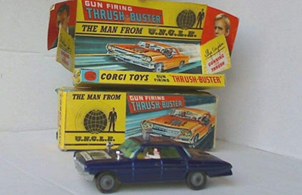 CORGI 497 THE MAN FROM UNCLE GUN FIRING THRUSH BUSTER model car with 2 figures
