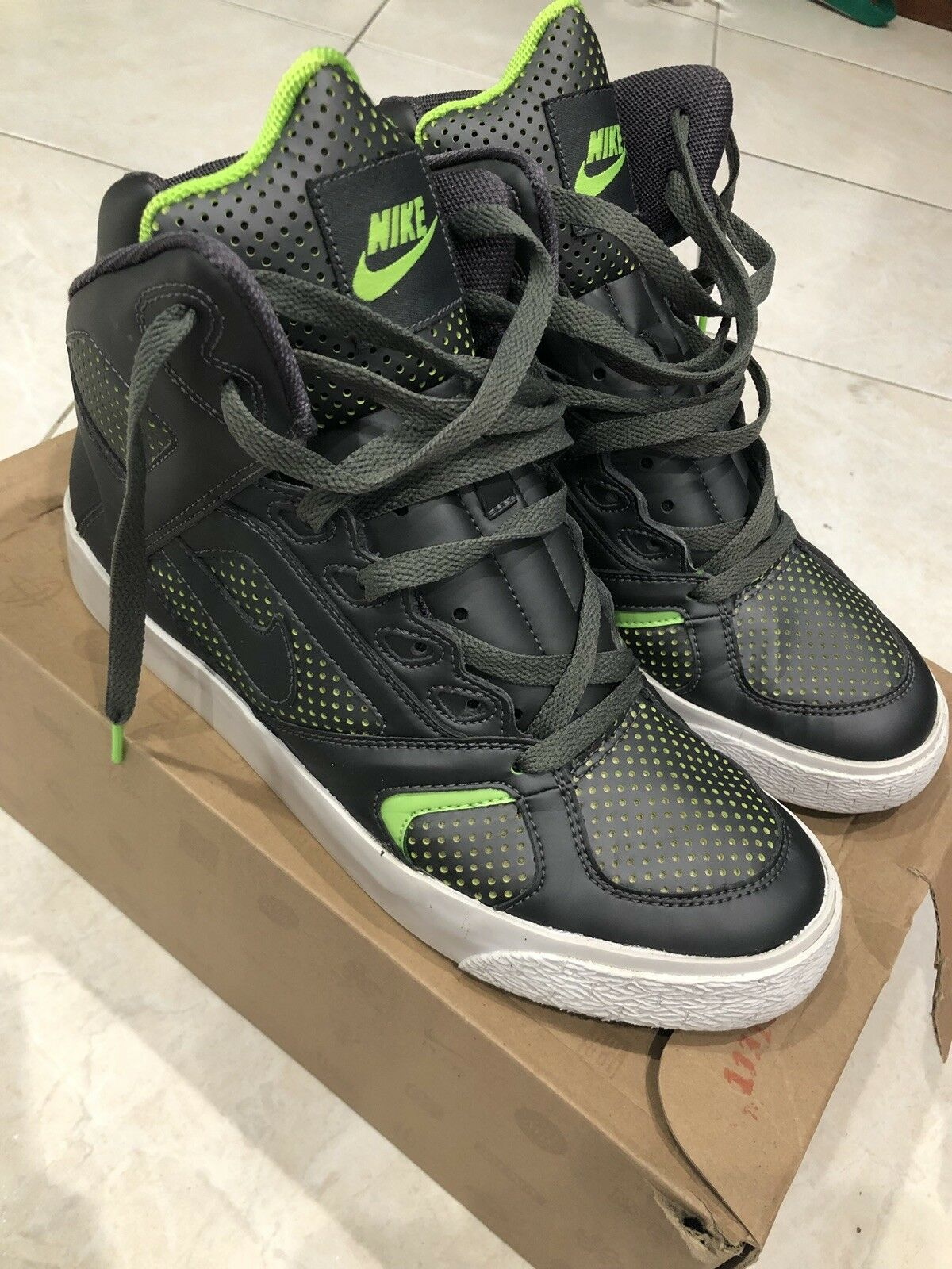 092fde71acb2dc Excellent Condition nike auto flight  09 mens size 8 Grey electric green  yeezy