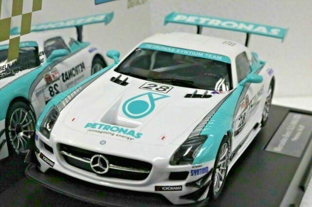 Carrera Digital 124 23837 Mercedes-Benz SLS AMG GT3 Petronas Nr 28