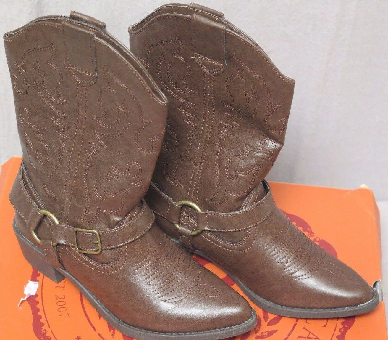 SO Gamma Women Boots Size  6 Brown Brand New In Box