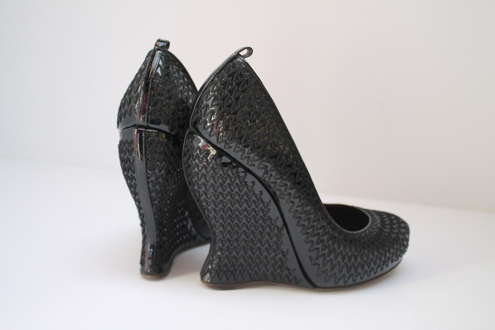 Bottega Veneta Noir Cuir verni surpiqûre incurvée Wedge Chaussures EU 37 UK 4