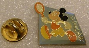MICKEY-MOUSE-PLAYING-TENNIS-PHILDAR-vintage-DISNEY-pin-badge-Z4X