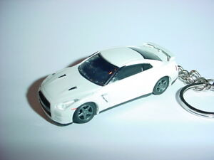 Neu 3d Weiß 2014 Nissan Skyline Gtr R35 Custom Schlüsselanhänger Schnell Nismo Weich Und Leicht Accessoires & Fanartikel Schlüsselanhänger