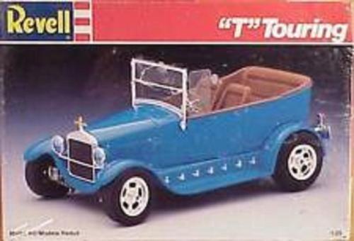 Revell ford model  T  Touring 1 25 model  Kit new in the box