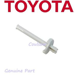 TOYOTA-SEWING-MACHINE-RS2000-SERIES-GENUINE-SPOOL-HOLDER-COTTON-PIN