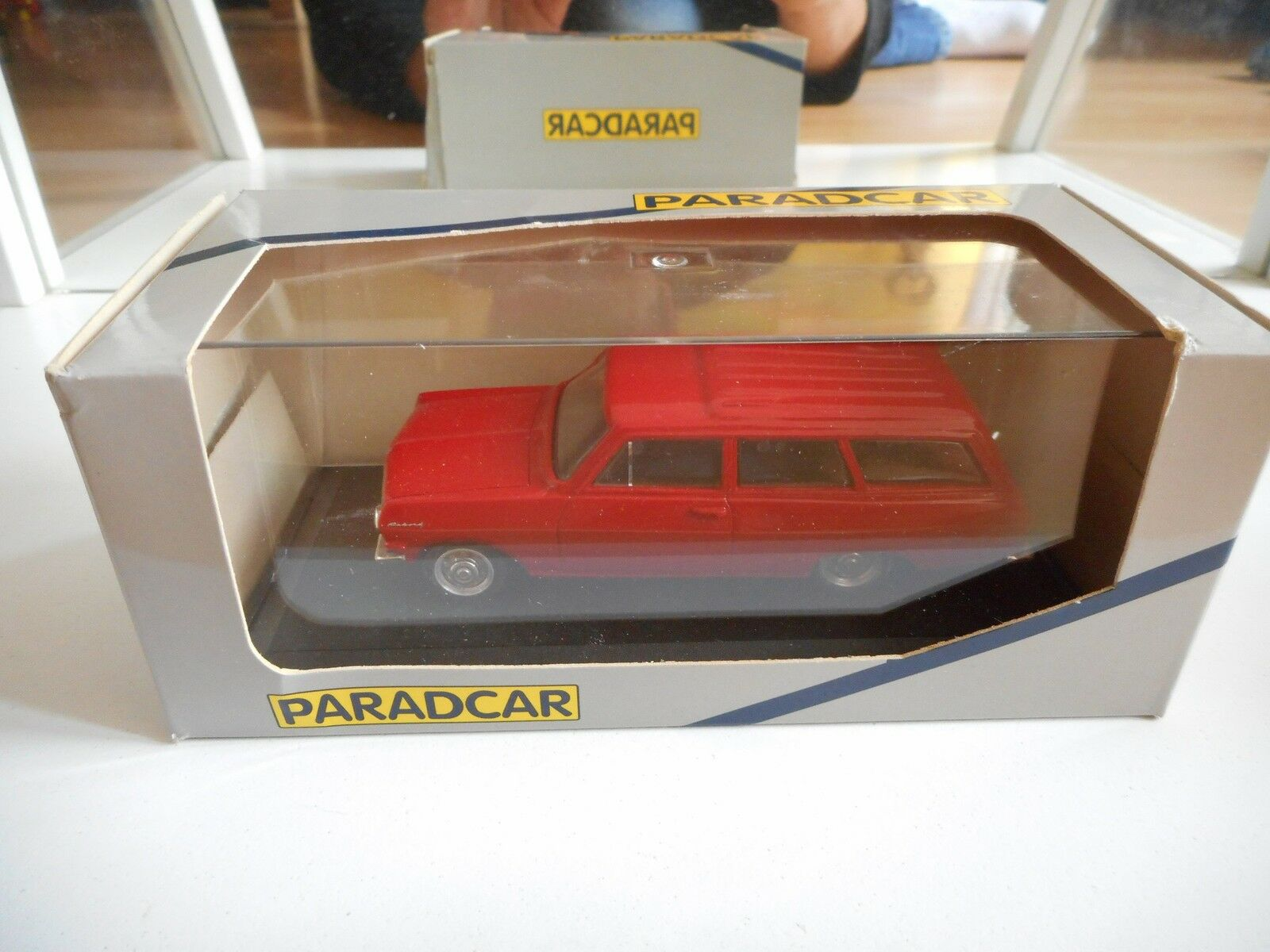 Hand Built Model Paradcar Opel Rekord A 1963 Caravan in rosso on 1:43 in Box