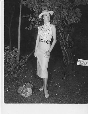 YOUNG CAROLE LOMBARD LEGGY BAREFOOT 1920s PHOTO A-CL16