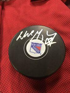 Wayne-Gretzky-Auto-hand-signed-NHL-Puck-HOF-New-York-Rangers