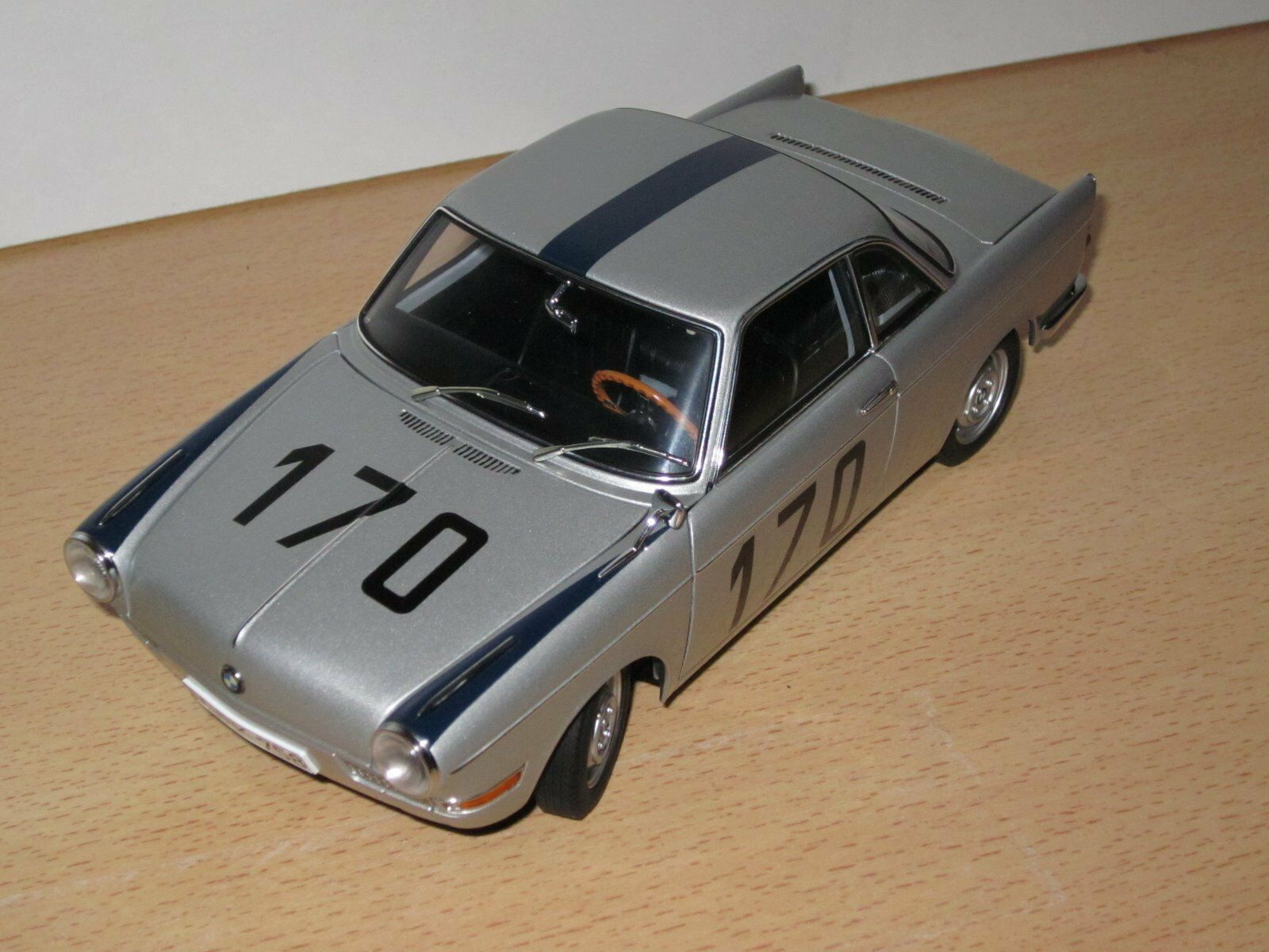 Bmw 700 Sport Sport Sport de course coupe schorndorfer BERGRENNEN 1967 Eppelein 1 18 NOUVEAU & NEUF dans sa boîte 69be1f