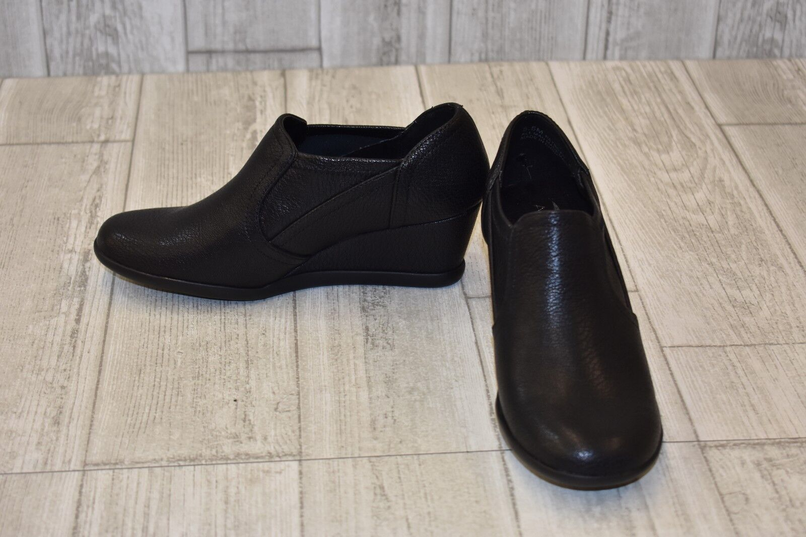 Aerosoles Retro Fit Booties - Women's Size 5.5M - Black (NEW )