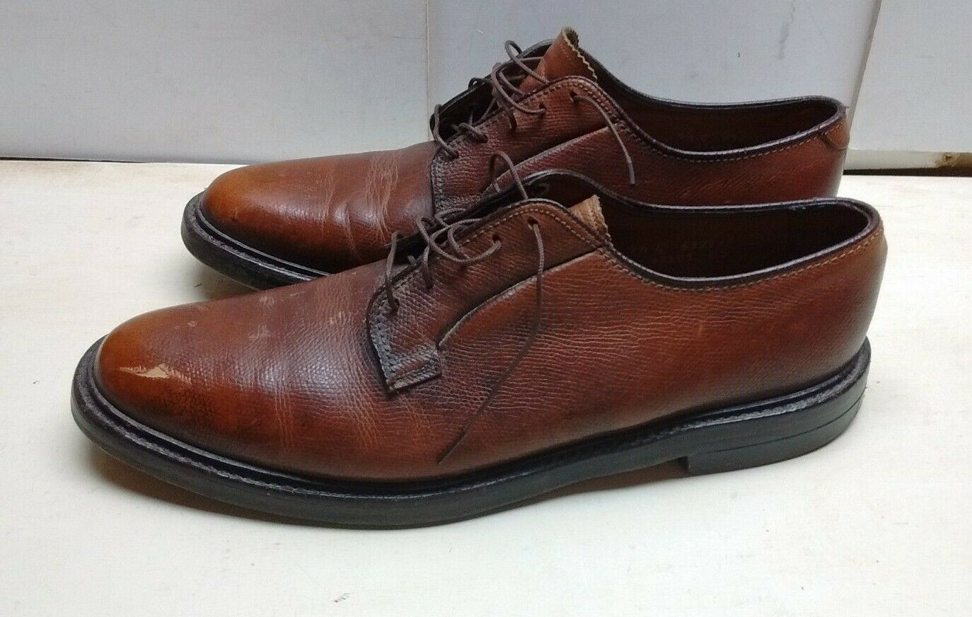 The Florsheim Imperial Men's Marroneee Pebbled Leather Oxfords Plain Toe scarpe  9.5C