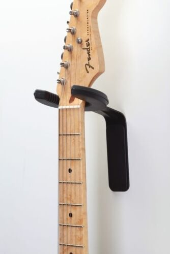 Fender Static Halo Guitar Wall Hanger  Free Shipping  0991816003