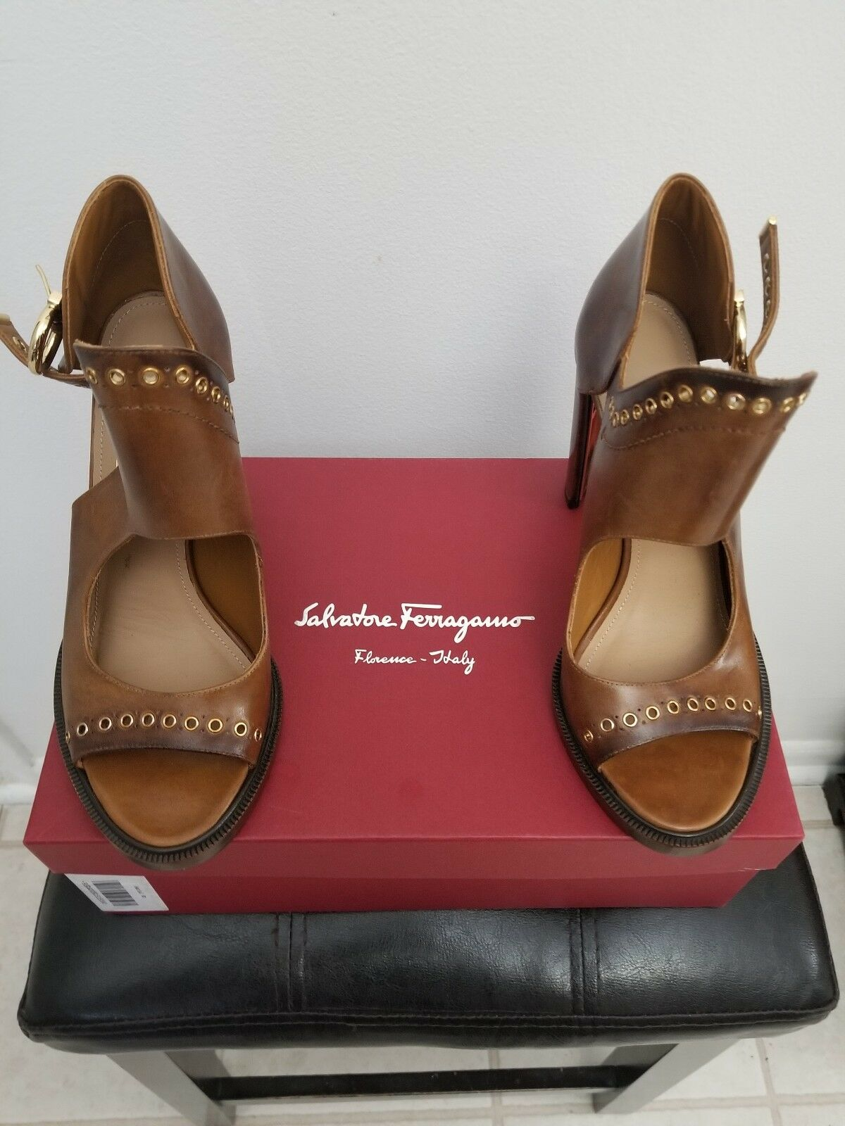 Salvatore Ferragamo Narny Brown Women Size10M. New With Box. Retail Price   2000