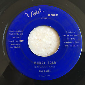 45-rpm-THE-LARKS-MUDDY-ROAD-amp-I-WANT-HER-TO-LOVE-ME-Jukebox-DOO-WOP-SOUL