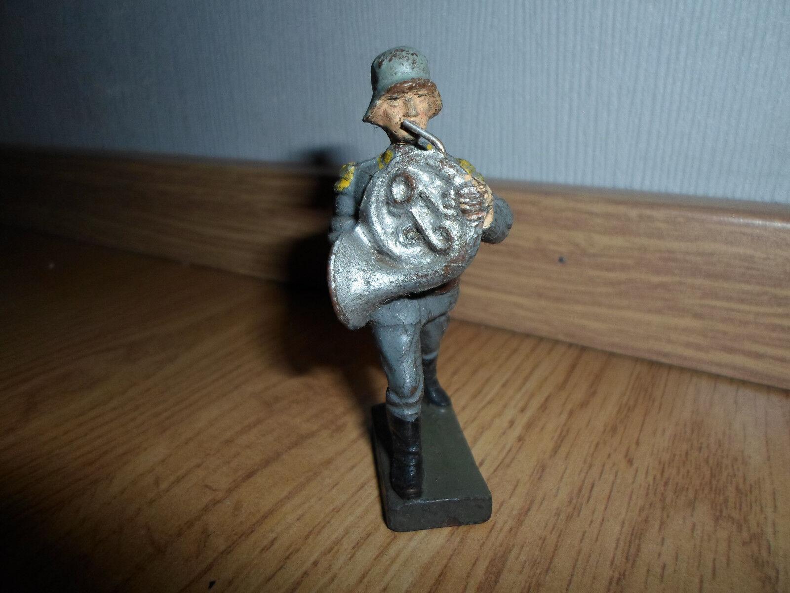LINEOL prewar german Luftwaffe soldier musician with french horn yellow epaulet