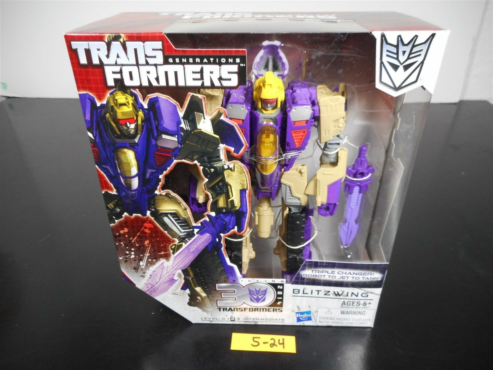 NEW & SEALED  TRANSFORMERS GENERATIONS BLIZTWING ACTION FIGURE THIRLLING 30 5-24