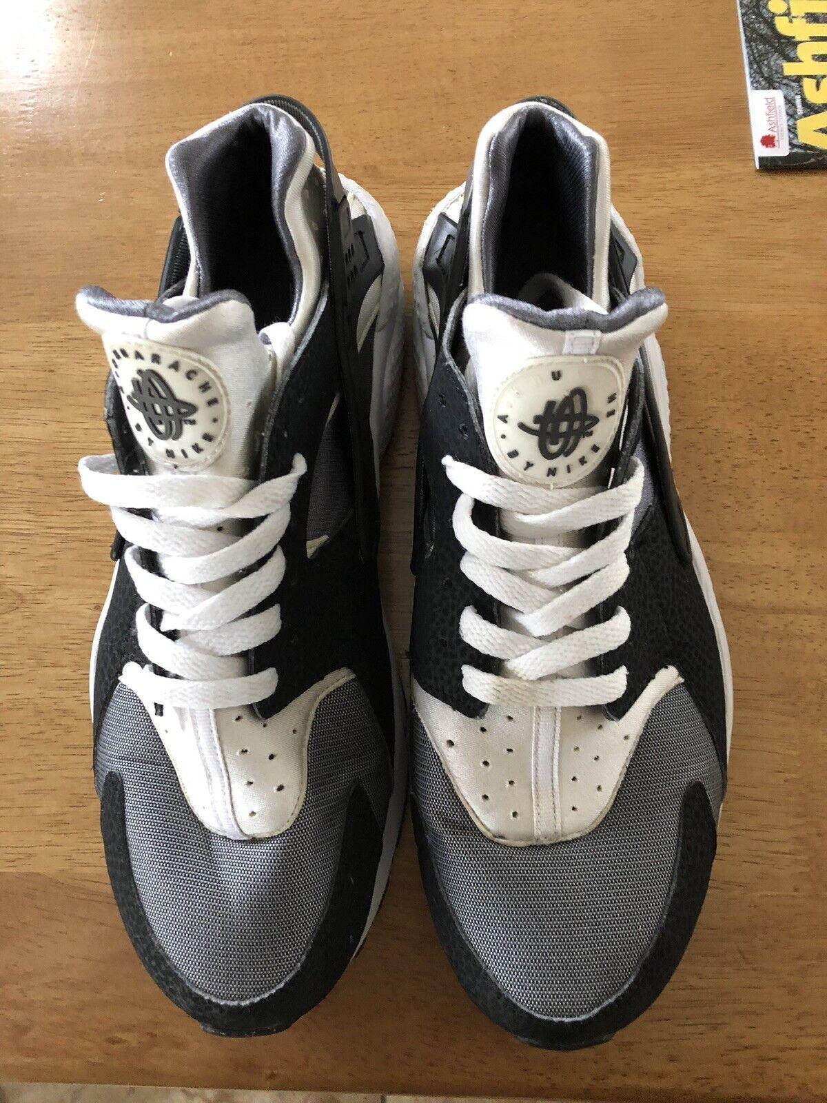 Nike huarache Oreo UK11 Vgc