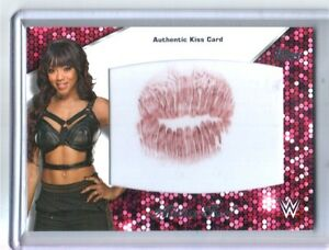 WWE-Alicia-Fox-2016-Topps-Then-Now-Forever-Authentic-Divas-Kiss-Card-SN-41-of-99