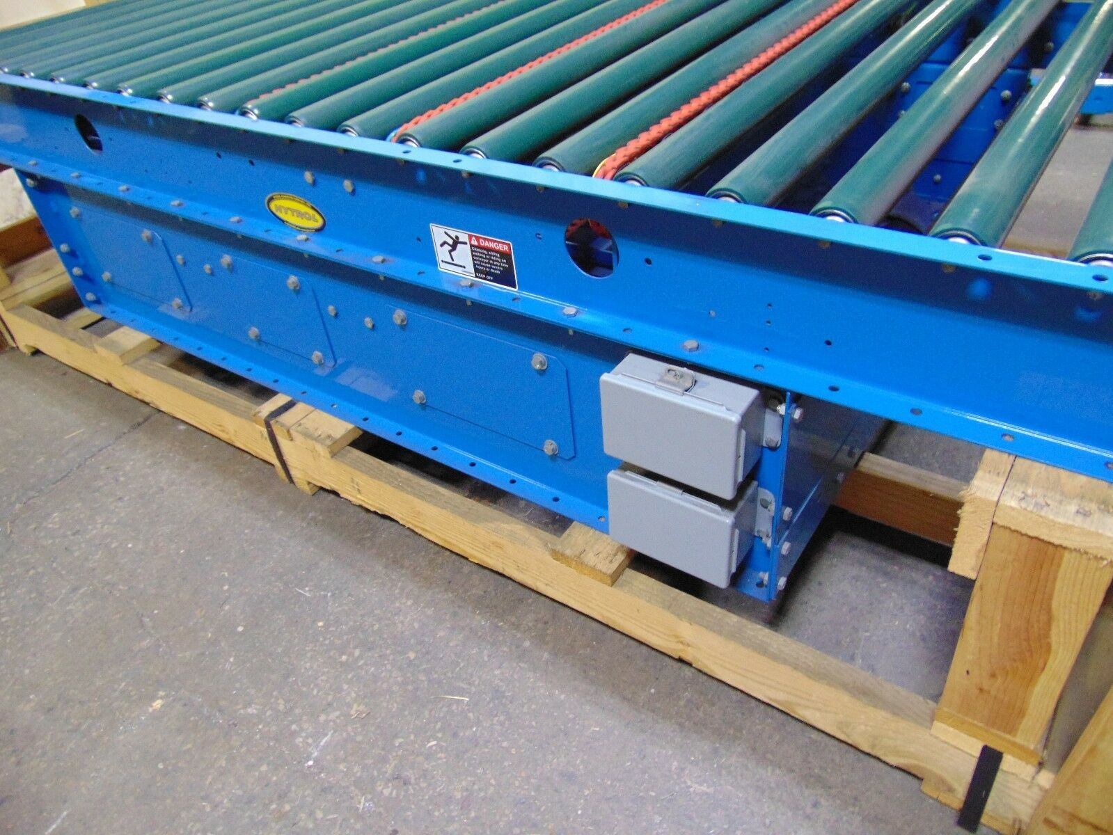 Hytrol Rubber Coated Power Roller Conveyor With Unloaders