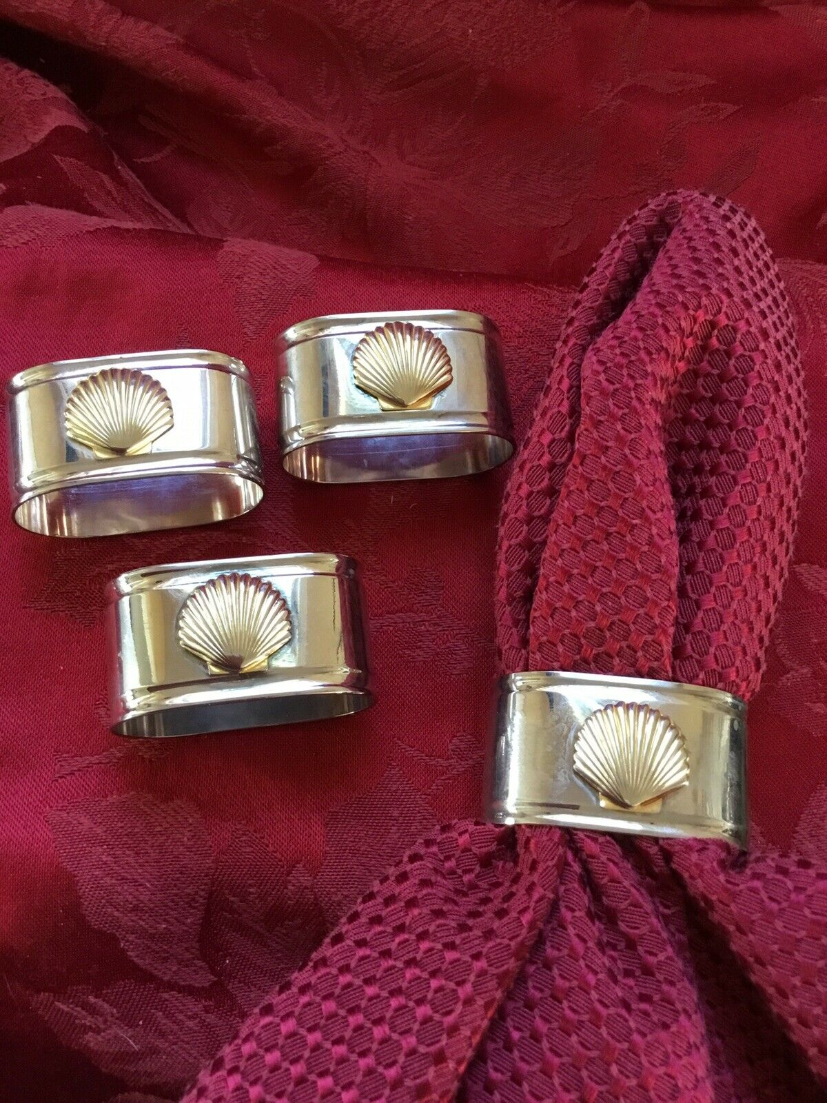 FLAWLESS Exquisite SHELL Set Of Four Oval Silber & Gold NAPKIN RINGS