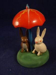 Charitable Ancien Jouet Bois Sujet Animal Miniature Lapins Parapluie Numéroté Erzgebirge Suppression De L'Obstruction