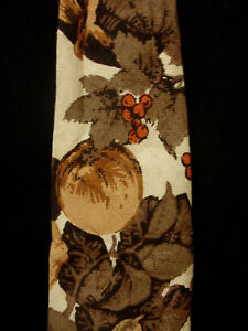 VINTAGE-1960-039-S-1970-039-S-COTTON-CREAM-TIE-WITH-FRUIT-4-034-WIDE-X-58-1-2-034-LENGTH