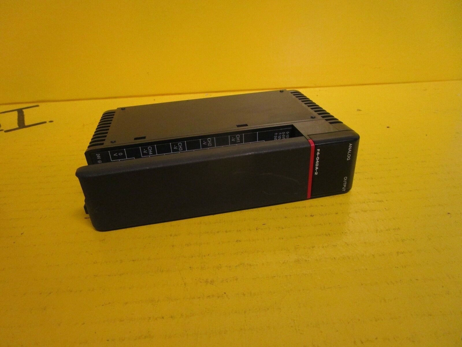 FACTS ENGINEERING 4-CHANNEL OUTPUT MODULE 0-5VDC 0-10VDC F4-04DA-2 on