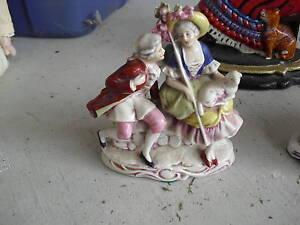 Antique-Porcelain-Bisque-Victorian-Man-amp-Woman-Figurine