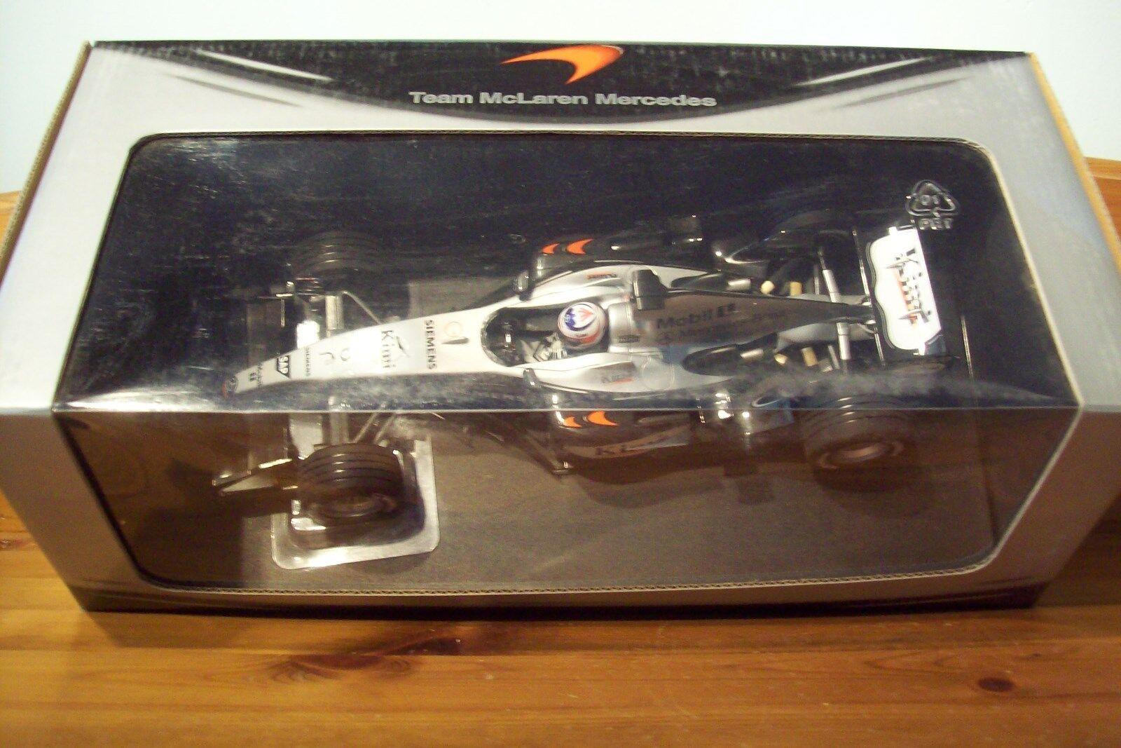 1 18 McLAREN MP4 19 Mercedes 2004 KIMI RAIKKONEN Team Box